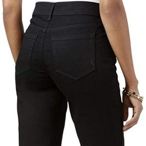 NWT (8) Bootcut Mid Rise Black Jeans